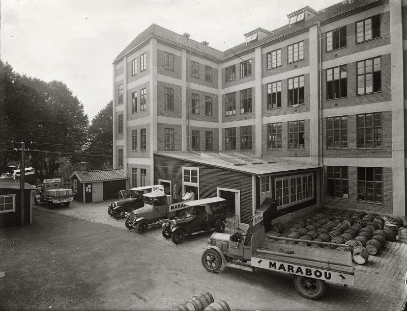 Bild från Maraboufabriken i Sundbyberg år 1927.