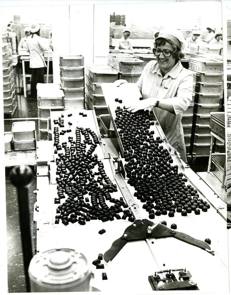Pralinproduktion vid Maraboufabriken på 1970-talet.