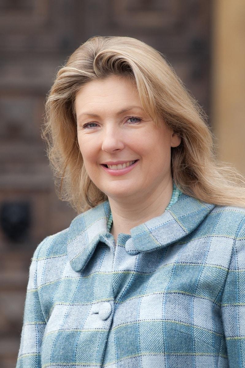 Lady Fiona Carnovan