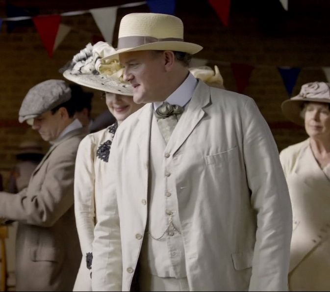 lord grantham summer suit