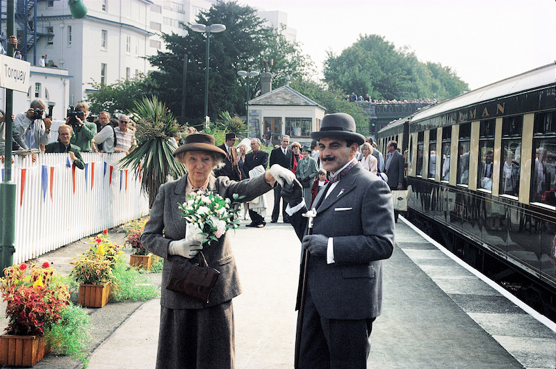 miss-marple-and-hercule-poirot-at-torquay-station