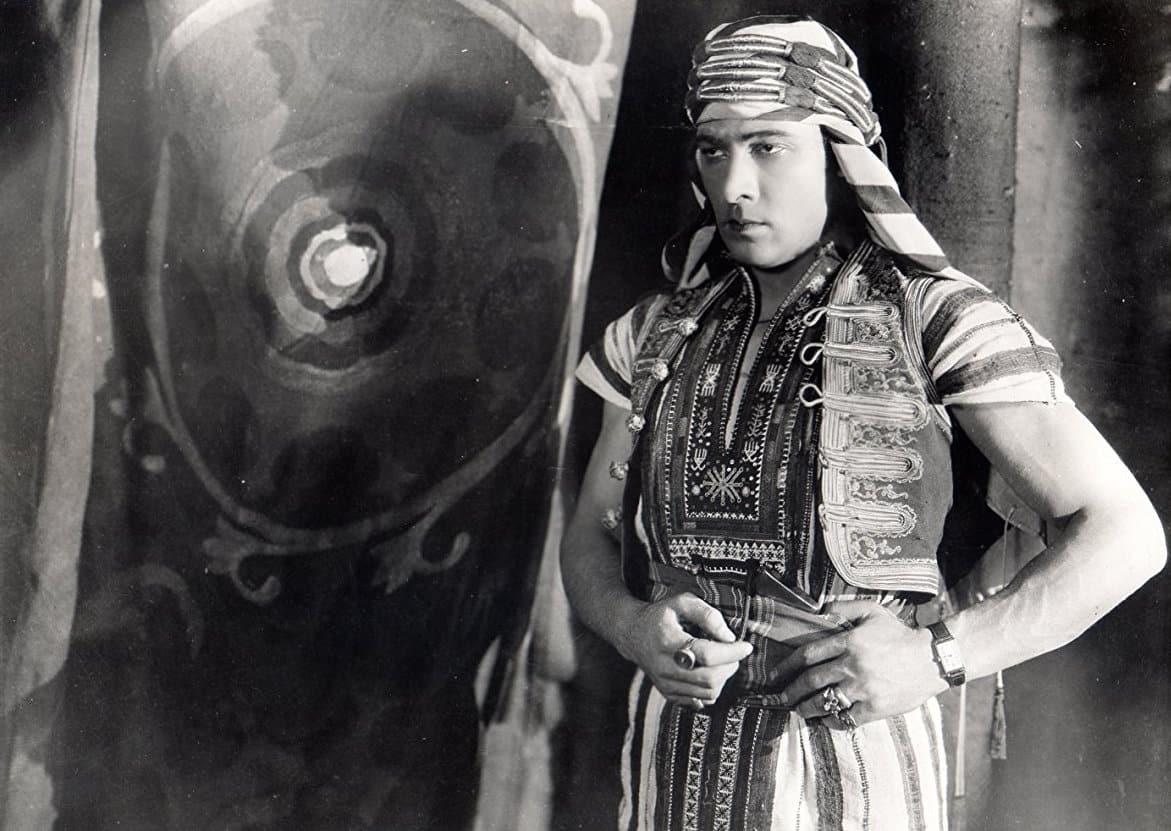 klassisk film the son of sheik