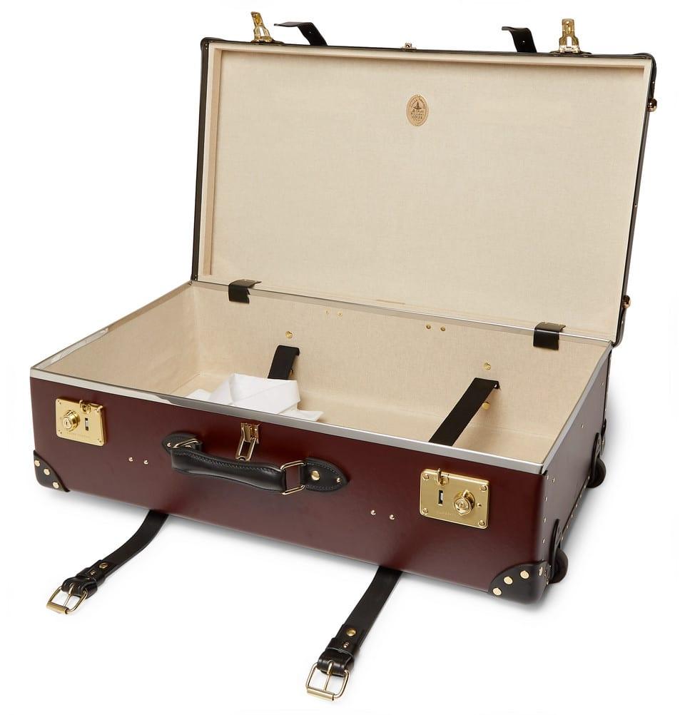 snygga gammaldags resväskor
