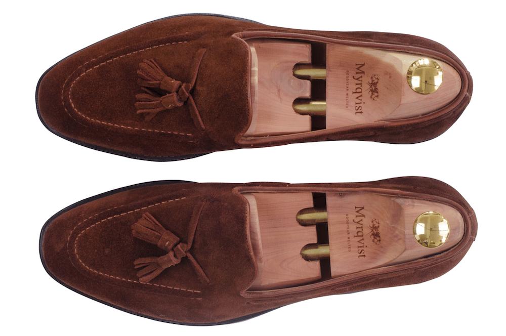 f2af3e49973 Samtliga skor i den nya kollektionen tillverkas med en smalare läst, vilket  gör att de passar både till formella och mer avspända tillfällen.