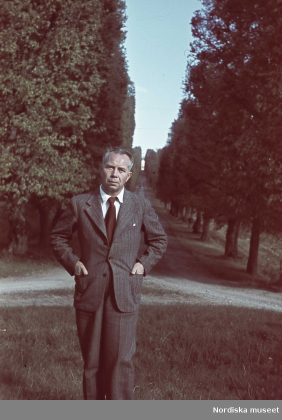 46f69163165b Herrmodet 1937-1941 genom Gunnar Lundhs fotografier – Ett ...
