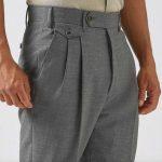 Klassiska detaljer: Byxor med hög midja och dubbla frontveck