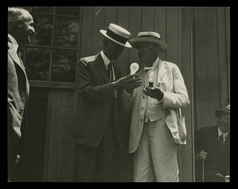 Thomas Edison Henry Ford