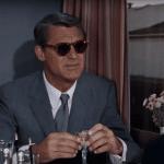 Här hittar du Cary Grants ikoniska solglasögon från filmen North by Northwest