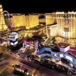Så anordnar du en lyckad herrmiddag med Las Vegas-poker och casinotema