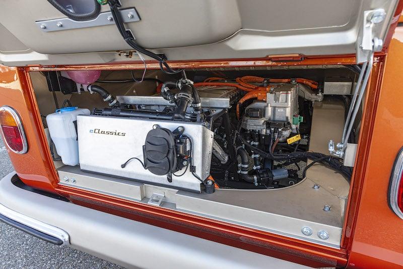 motor på nya eldrivna folkabussen från volkswagen