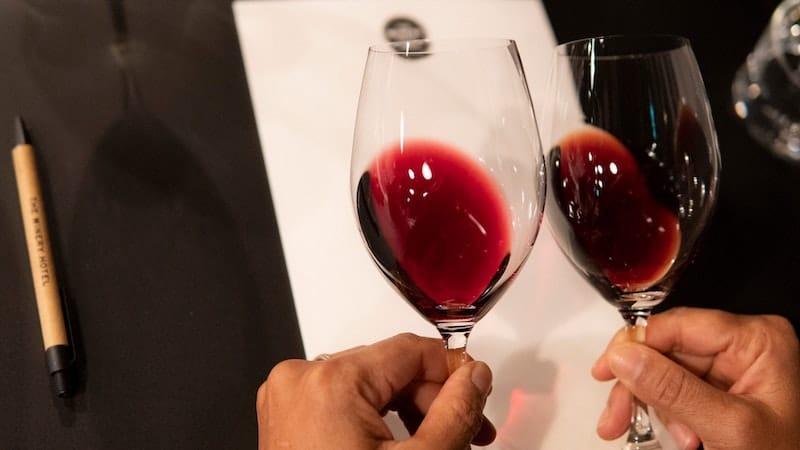 hur du ordnar vinprovning hemma