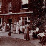 Vad är ett garden party - vilken är etiketten och klädkoden?