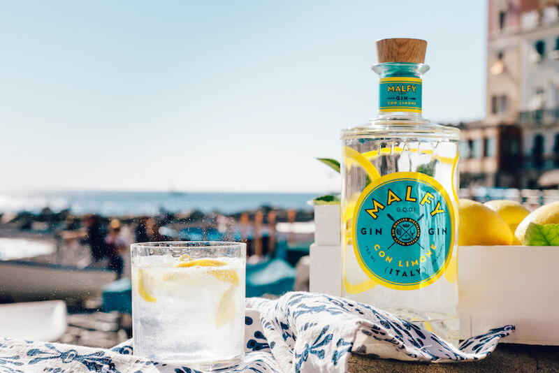 malfy con lemons & tonic klassisk aperitif