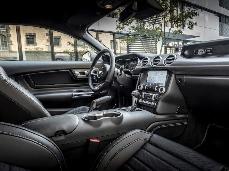 Ford Mustang mach 1 interiör 2020