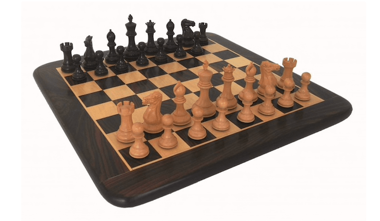 snygga schackset i trä