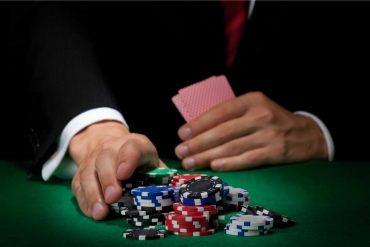 spela poker med stil
