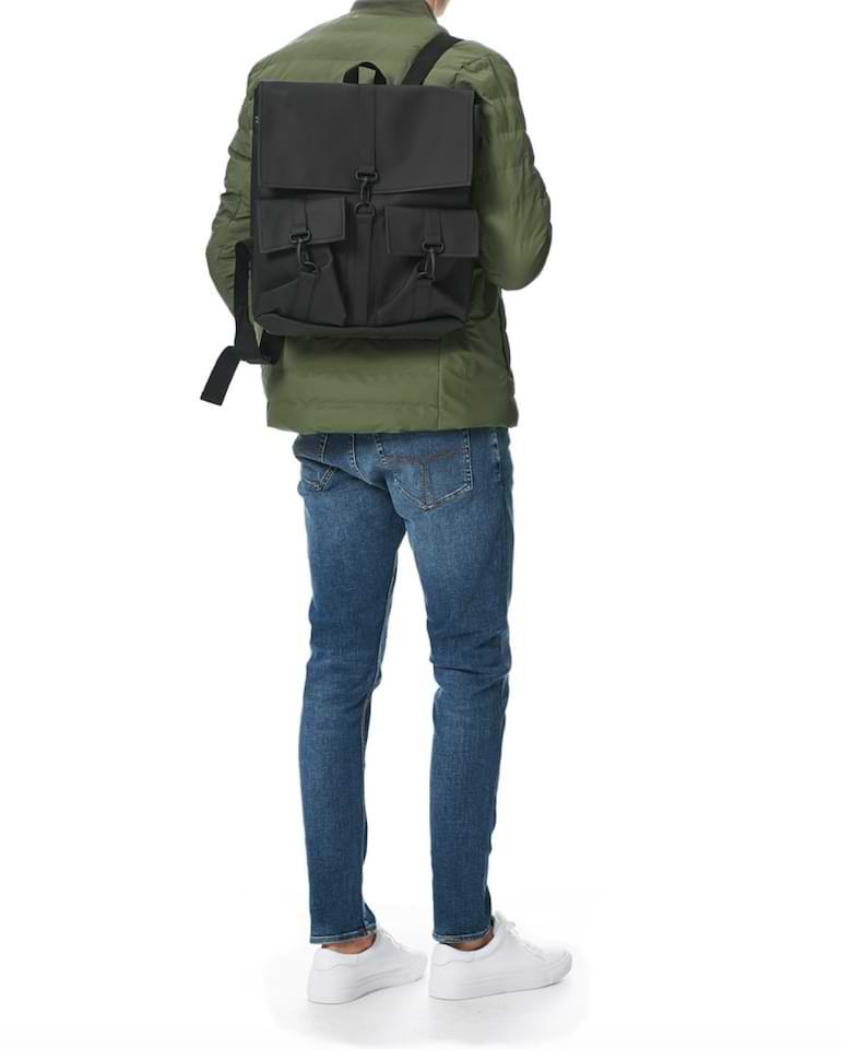 snygga regnkläder för män ryggsäckar