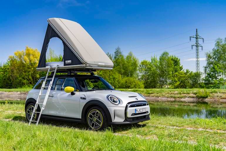 mini cooper elbil camping sommar 2021