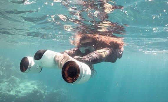 sommarens bästa prylar 2021 undervattenscooter