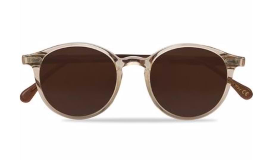 snygga solglasögon som sticker ut