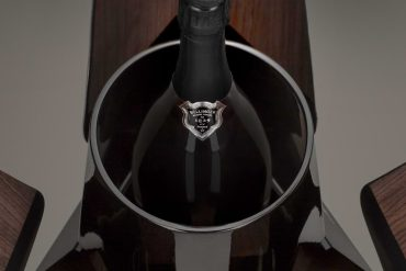 Bollinger bond champagne auktion