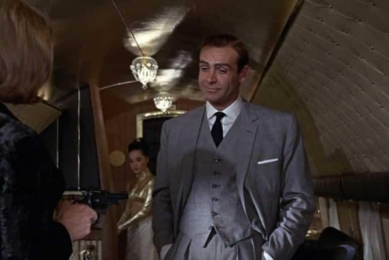 första kostymmärke James Bond